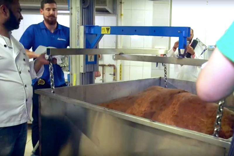 Muslim Aid had to find a solution for lifting the giant samosa for cooking and provide an accurate means of measurement.